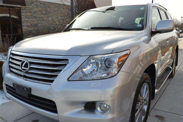 2009 LEXUS LX 570 LIKE NEW