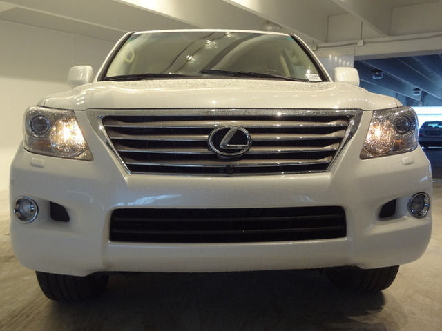 Selling : My 2011 LEXUS LX 570 Used Full Option in