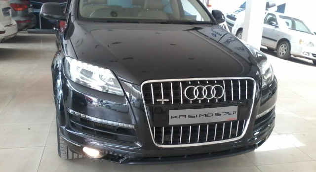 2011 Audi Q7-30-TDI quattro-technology-pack