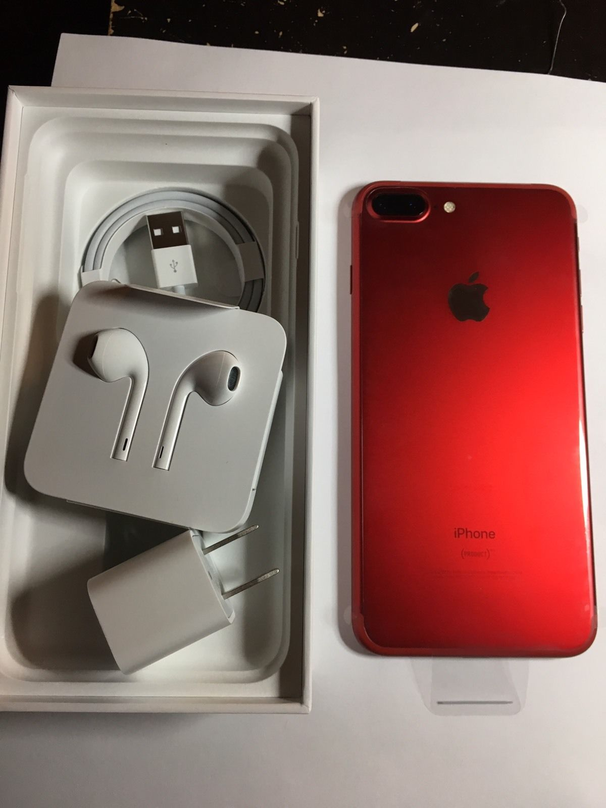 URGENT SALE of  Apple iPhone 7 Plus (PRODUCT)RED