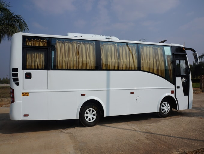 Hire 18 Seater Minibus - Luxury 18 Seat Mini Bus R