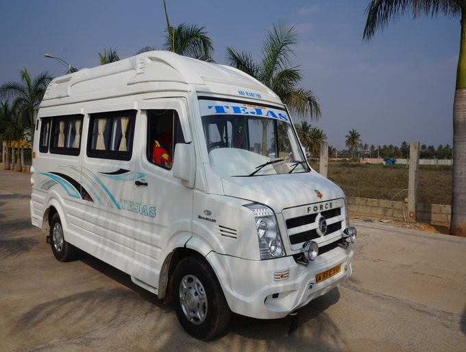 10 Seater AC and Non AC Tempo Traveller Rental